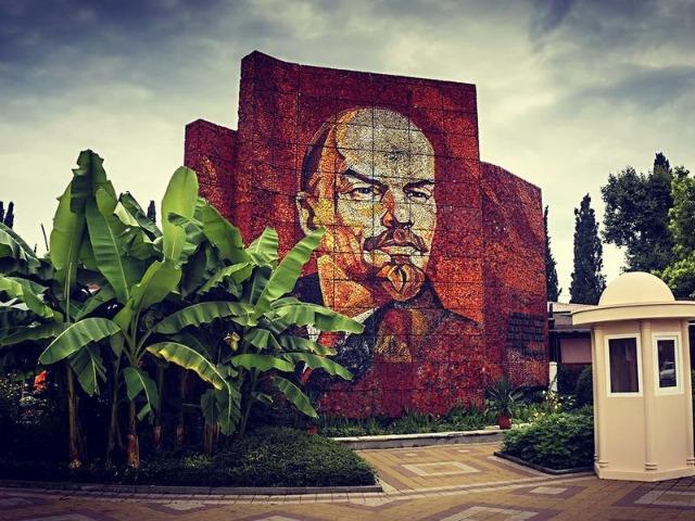 Экскурсия в прошлое: советский курорт Сочи