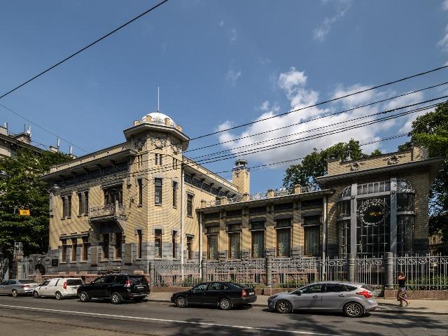 Вокруг Петропавловский крепости