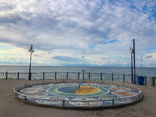 Янтарное побережье