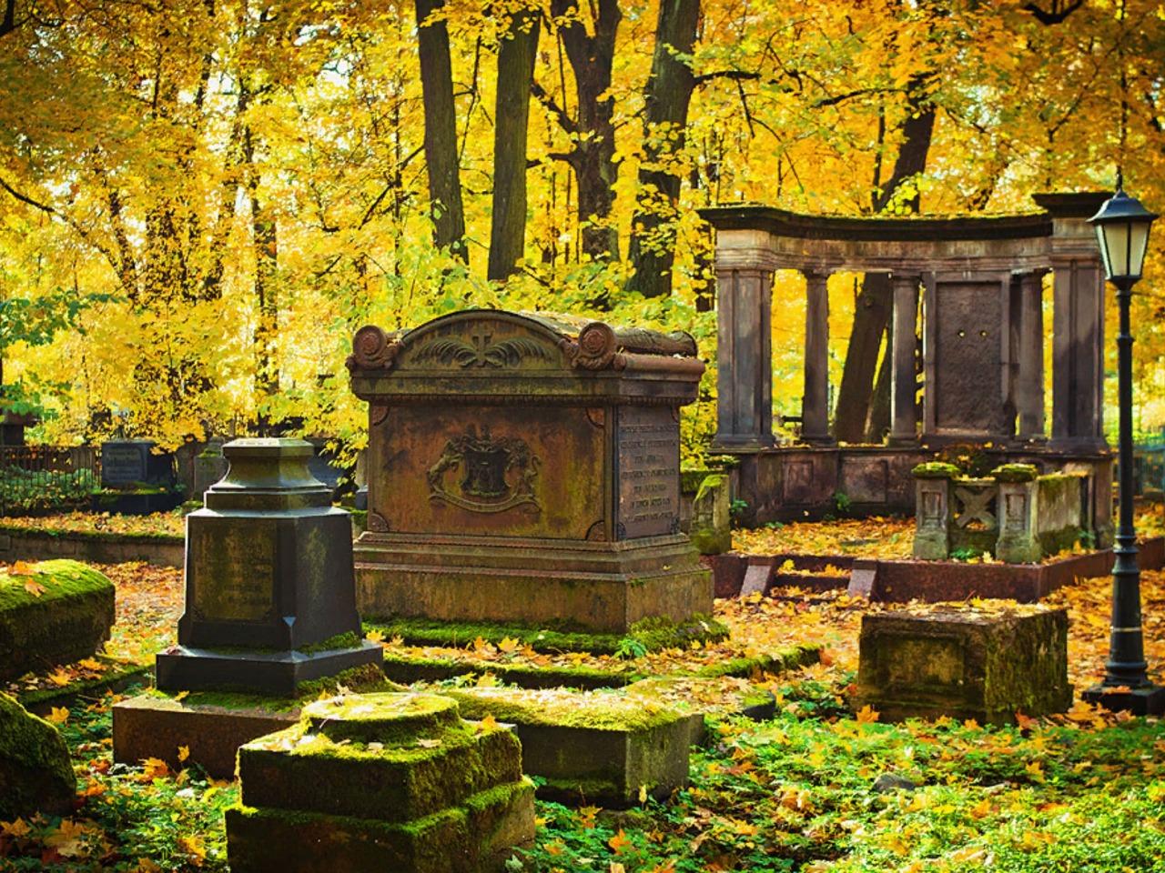 Исторические кладбища Петербурга - индивидуальная экскурсия по Санкт-Петербургу от опытного гида