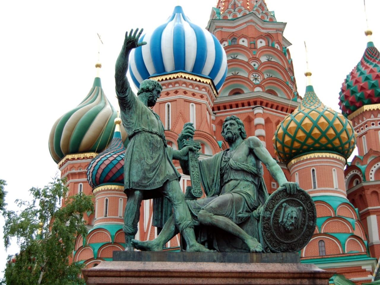 Вдоль древних стен Кремля  - индивидуальная экскурсия в Москве от опытного гида