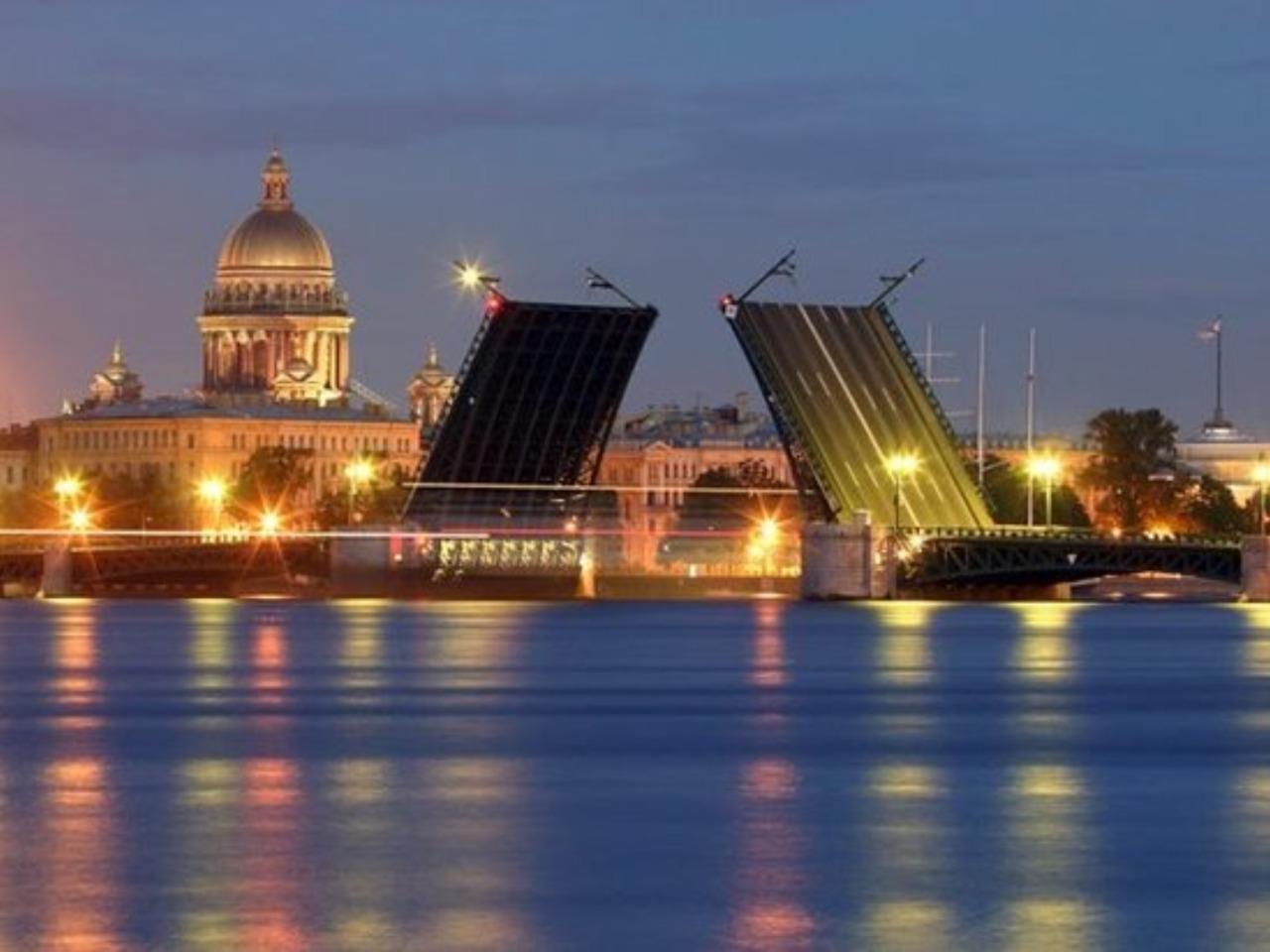 Развод мостов с крыши - групповая экскурсия по Санкт-Петербургу от опытного гида