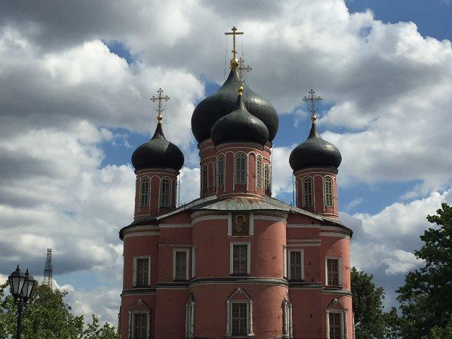 Донской монастырь и его некрополь