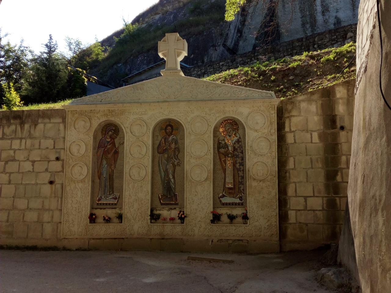Древности и святыни Инкермана - индивидуальная экскурсия в Севастополе от опытного гида