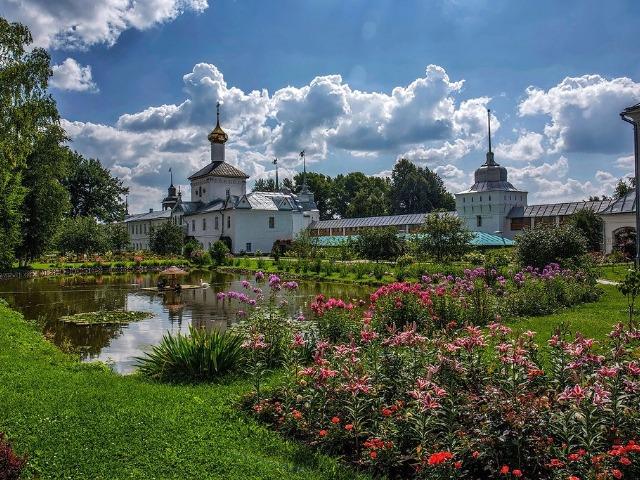 В ярославский Толгский монастырь