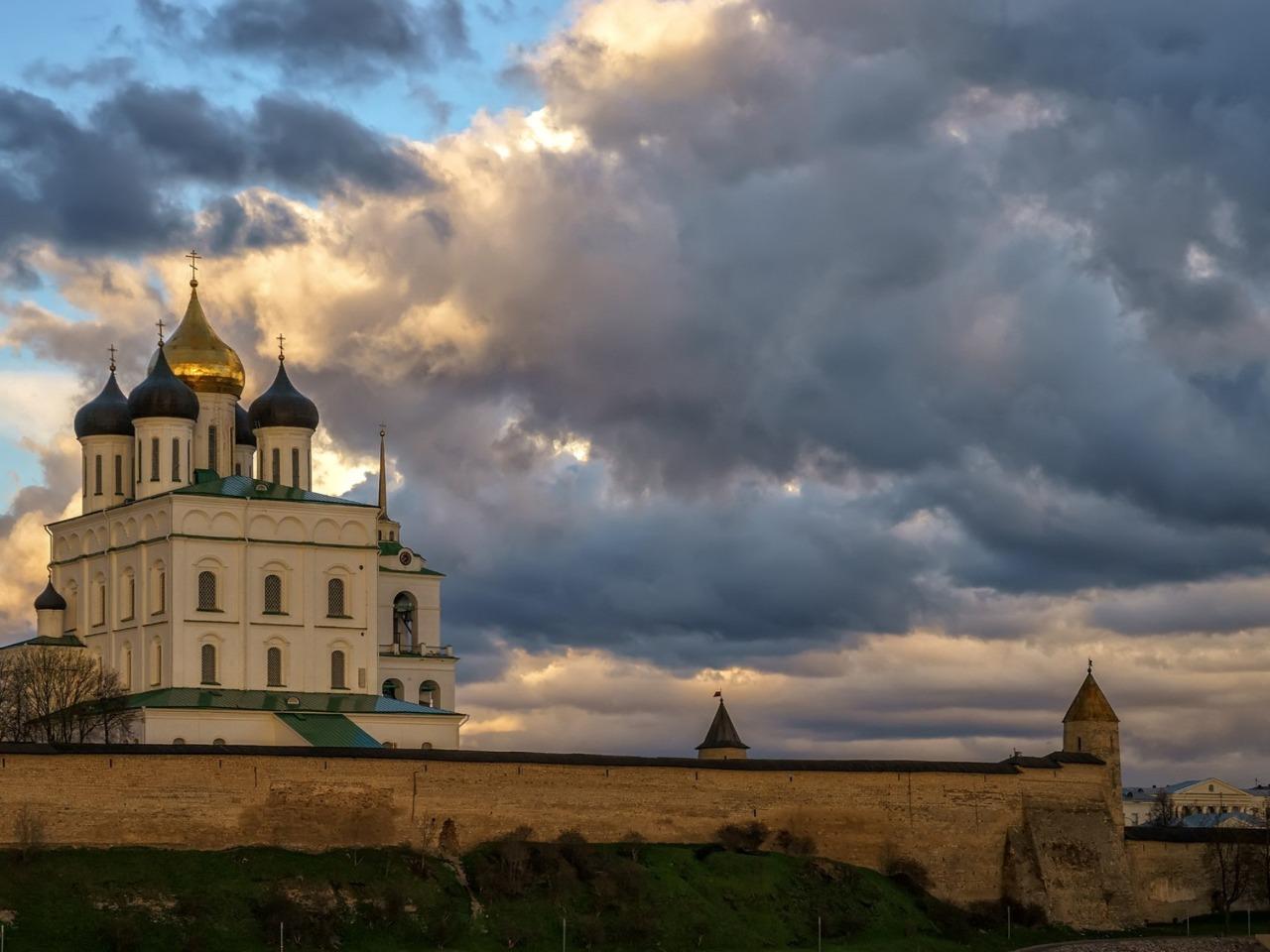 Экскурсия Псков – Изборск – Печоры - групповая экскурсия в Пскове от опытного гида