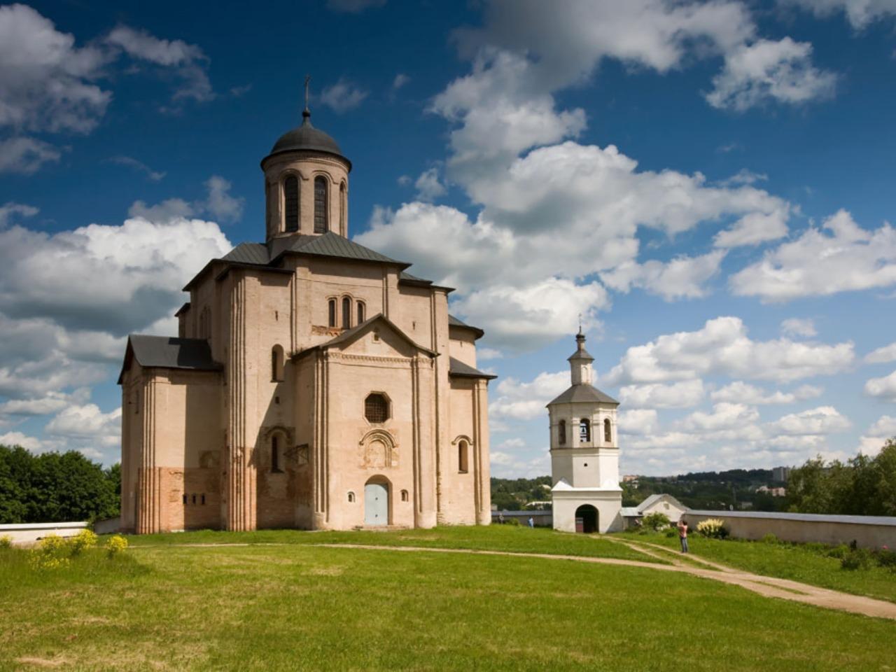 Духовные святыни двенадцатого века - индивидуальная экскурсия по Смоленску от опытного гида