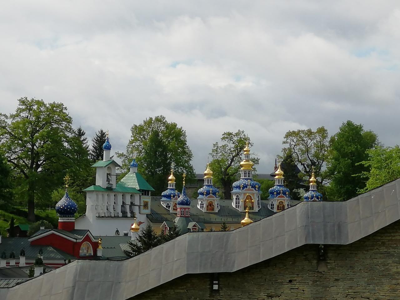 Поездка в знаменитый Псково-Печерский монастырь и легендарный Изборск - индивидуальная экскурсия в Пскове от опытного гида