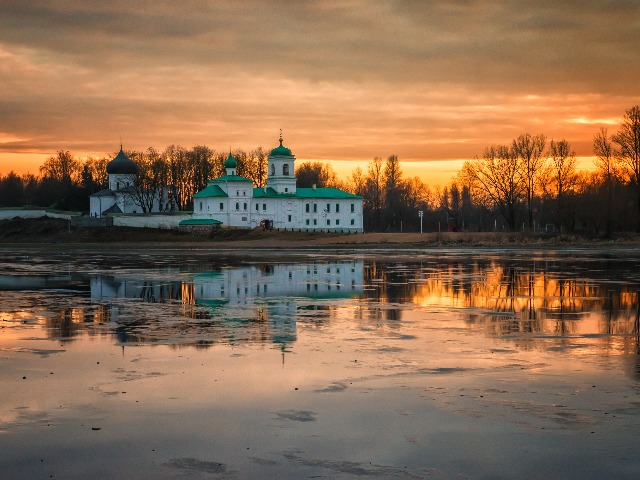 Дорога к храмам Пскова