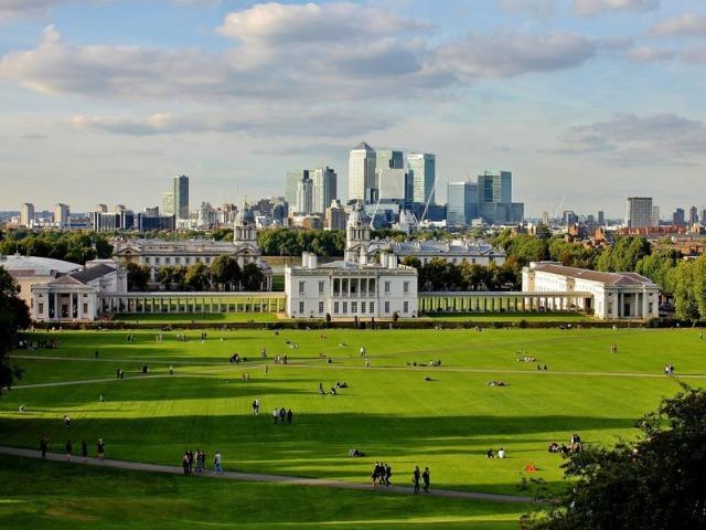 Показывает Greenwich