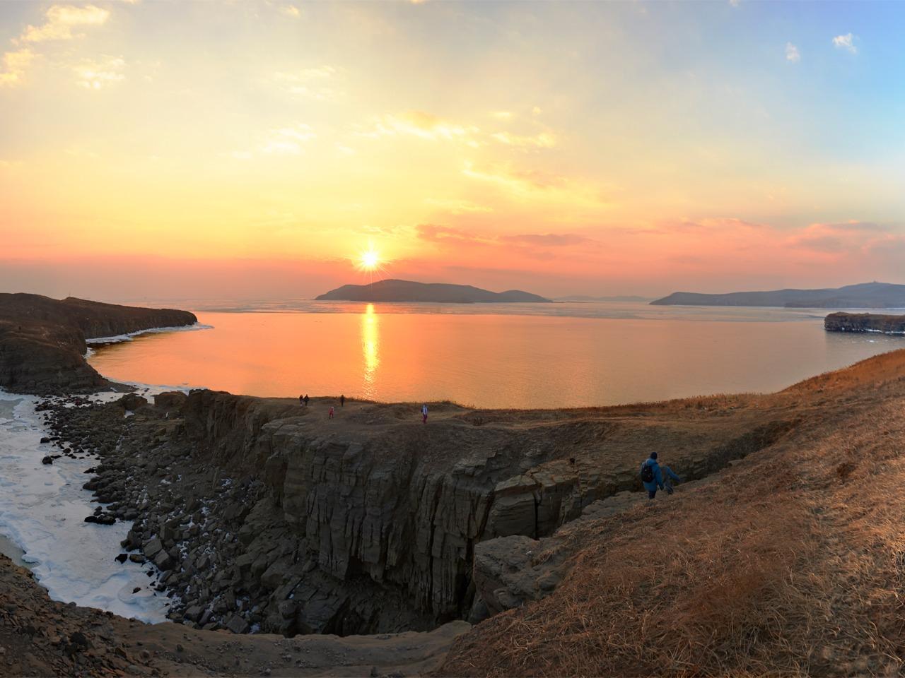 Остров Русский с посещением дикого пляжа - индивидуальная экскурсия по Владивостоку от опытного гида