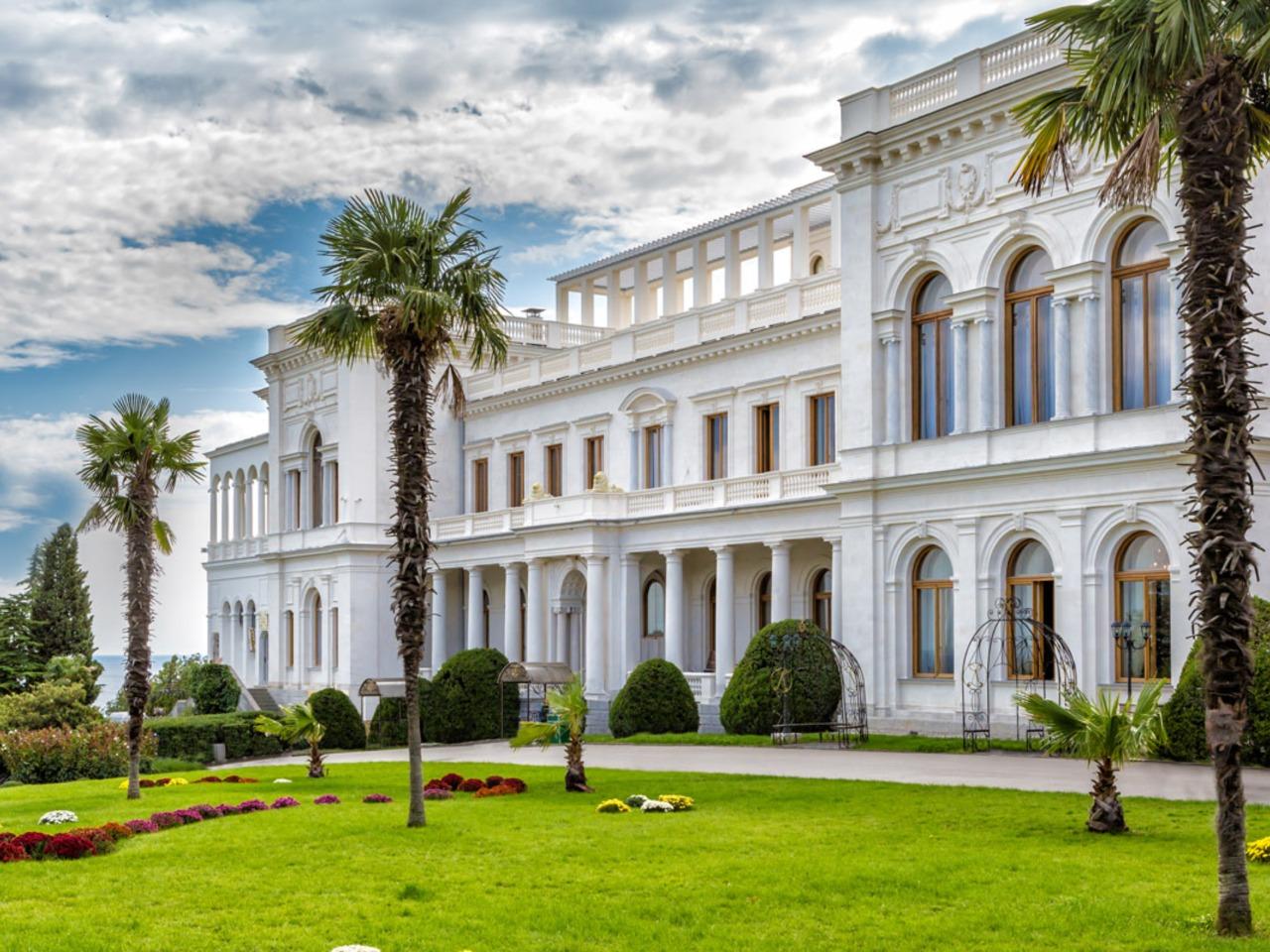 Ялта + 3 Дворца - индивидуальная экскурсия в Ялте от опытного гида