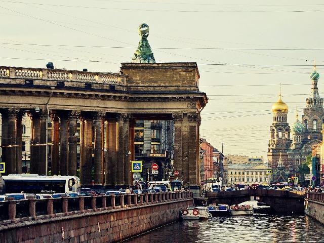 Пешком по Петербургу