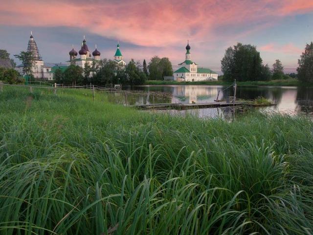 В Антониево-Сийский монастырь из Архангельска