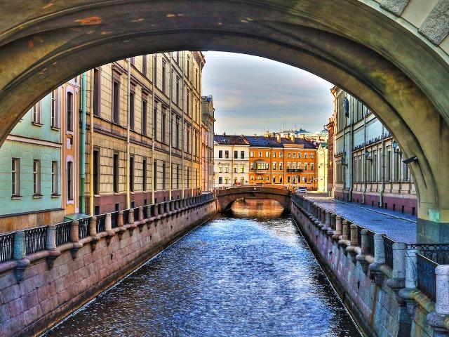 По рекам и каналам Северной Венеции на катере