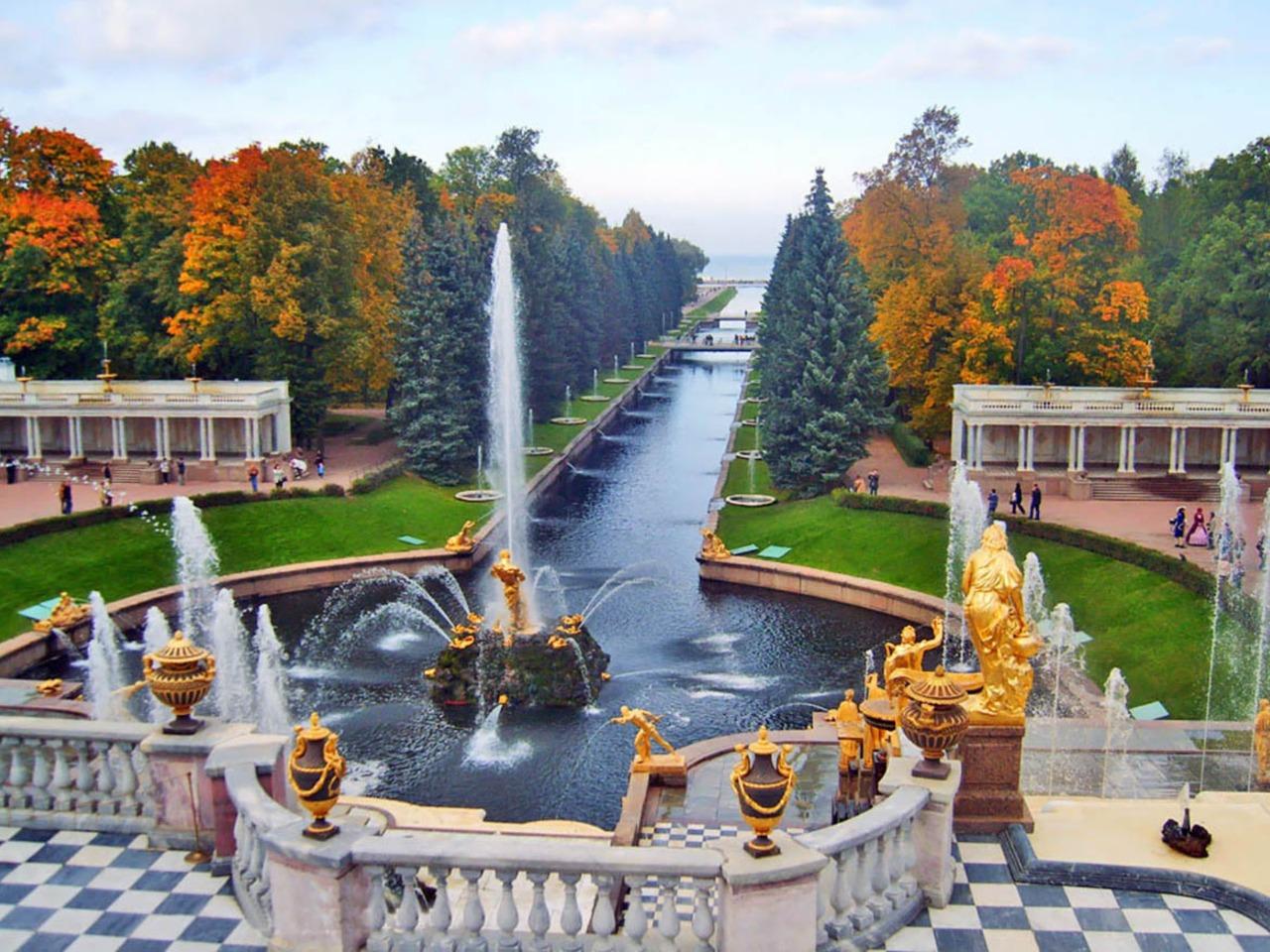 Путешествие в Петергоф - индивидуальная экскурсия по Санкт-Петербургу от опытного гида