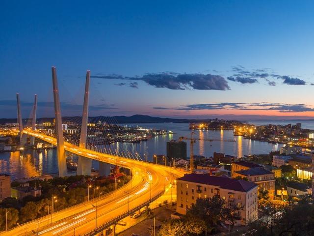 Владивосток на закате Солнца
