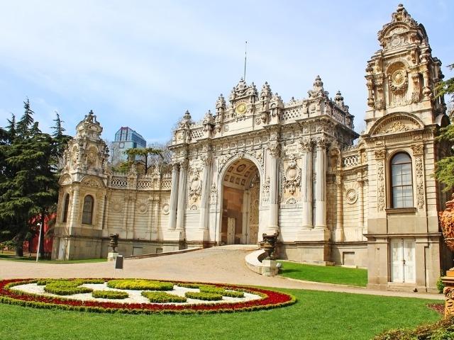 Величественные дворцы на Босфоре