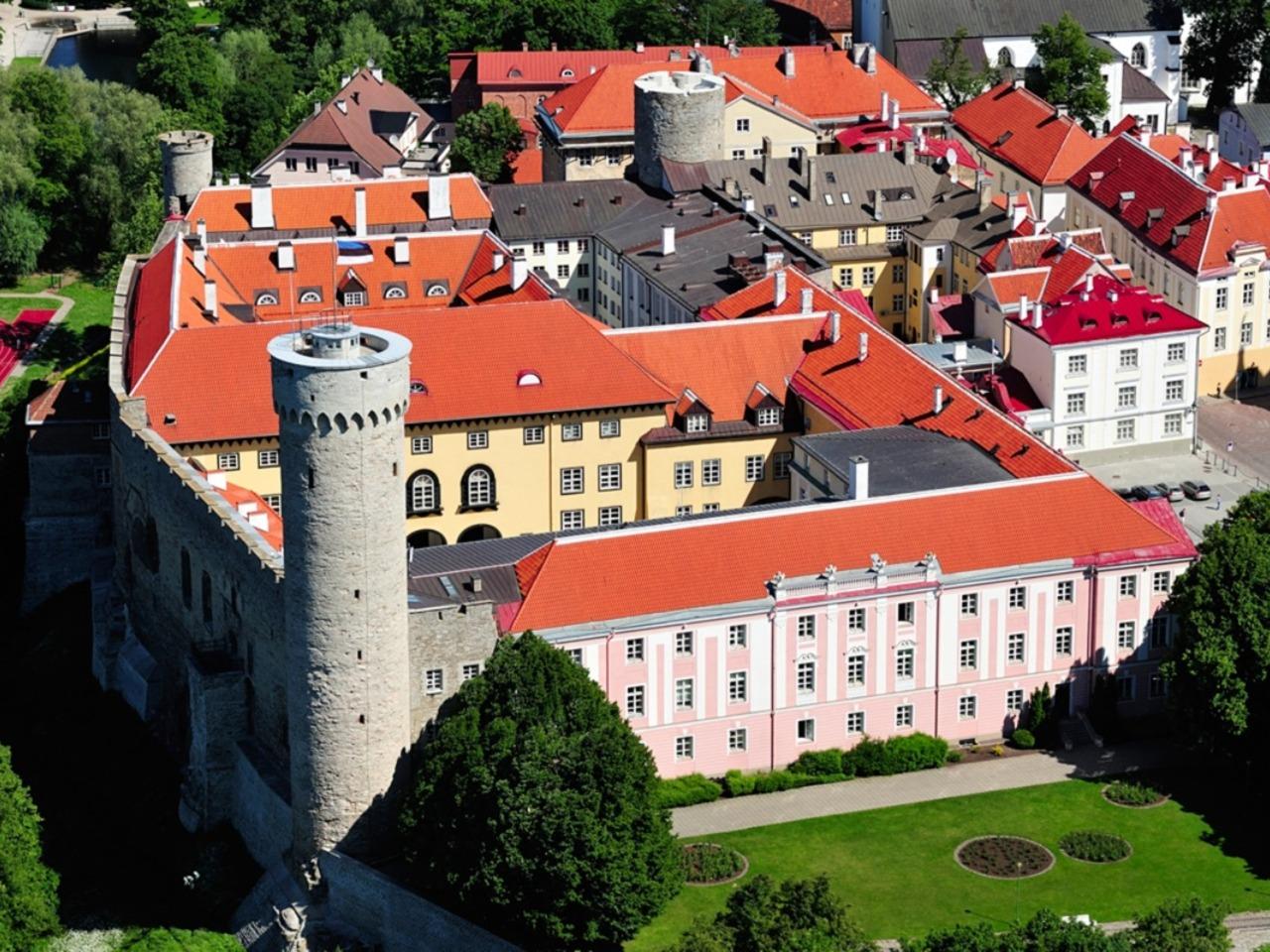 Прошлое старого Таллина    - индивидуальная экскурсия в Таллине от опытного гида