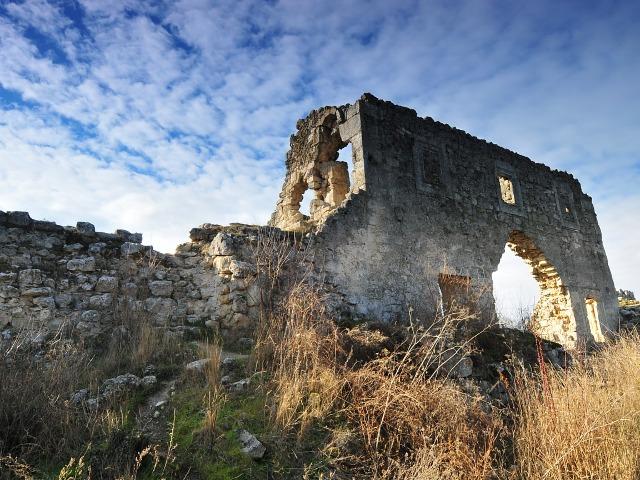 Страна пещерных городов — древний Мангуп-Кале