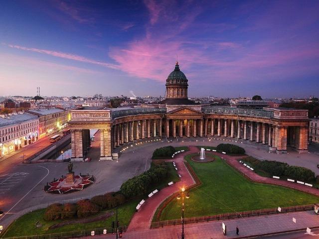 Обзорная по Петербургу в 15:15. Красный маршрут