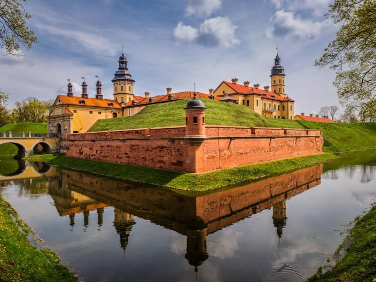Архитектурные памятники Мира и Несвижа - индивидуальная экскурсия в Минске от опытного гида