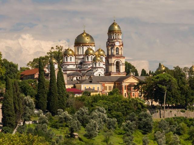 По святым местам Абхазии