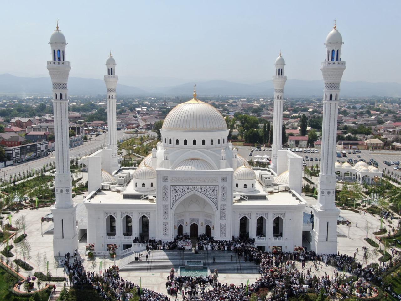 Уникальная архитектура мечетей Чечни - индивидуальная экскурсия в Грозном от опытного гида