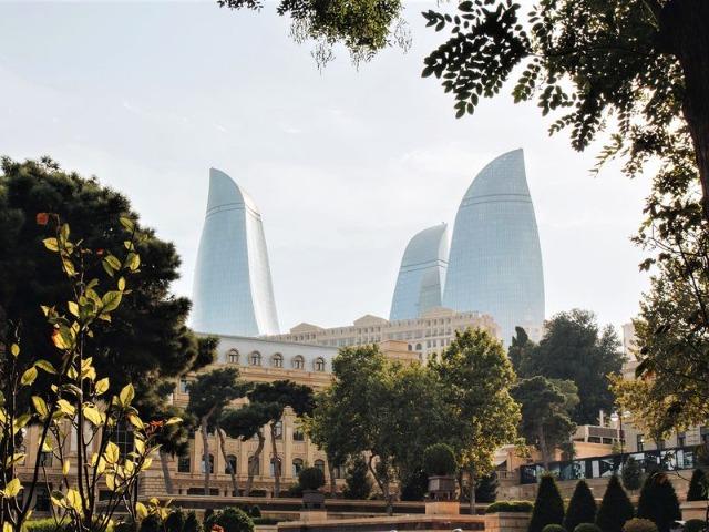 Обзорная экскурсия по Баку в 15:15.Синий маршрут