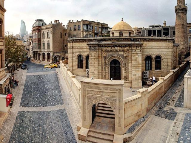 Обзорная экскурсия в Баку в 15:15. Красный маршрут