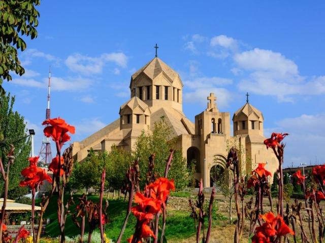 Обзорная экскурсия по Еревану. Красный маршрут
