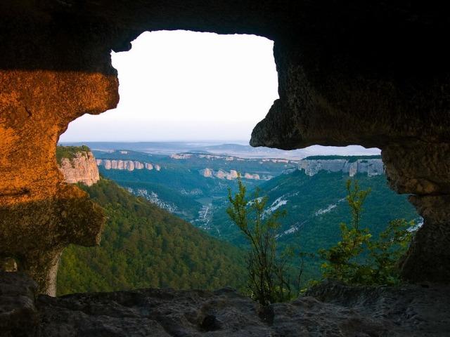 Пещерные города Крыма: поход к местам силы