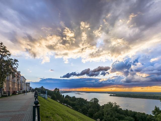 Прогулки по Верхневолжской набережной