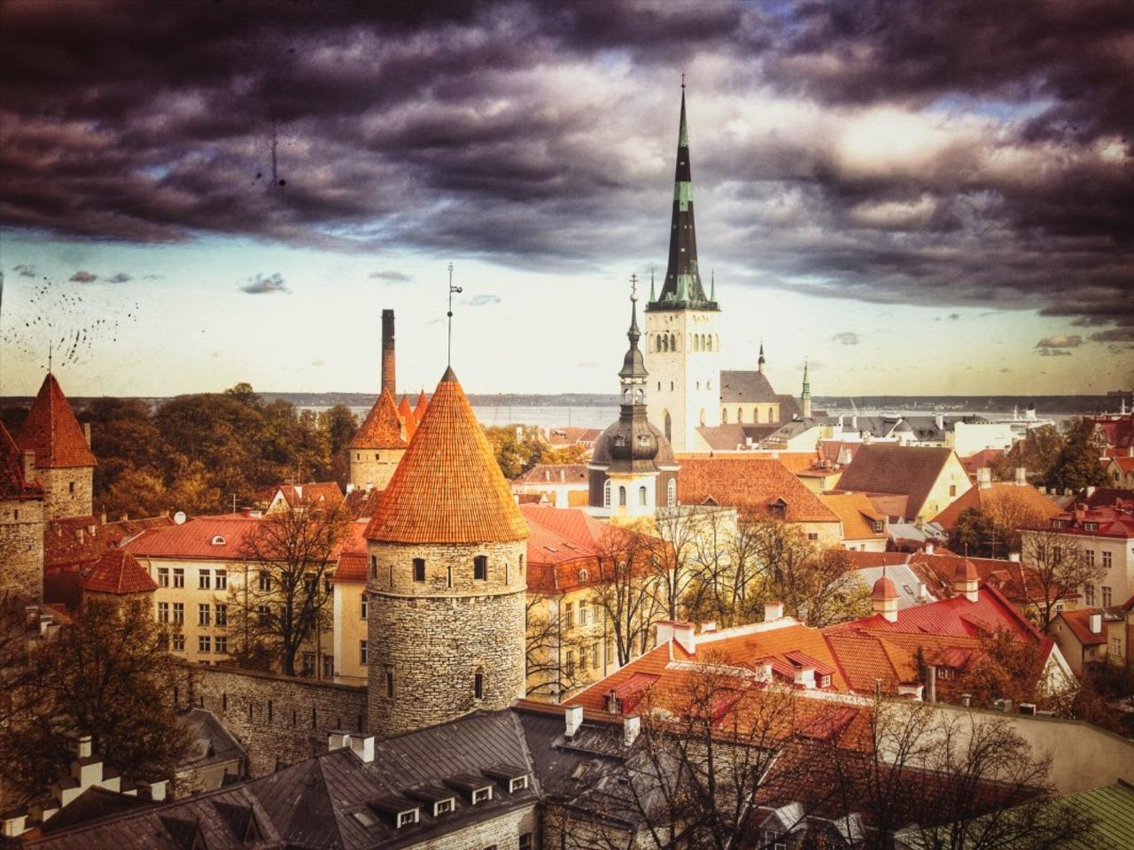 """Семейный квест """"Юные следопыты"""" в Таллине - индивидуальная экскурсия в Таллине от опытного гида"""