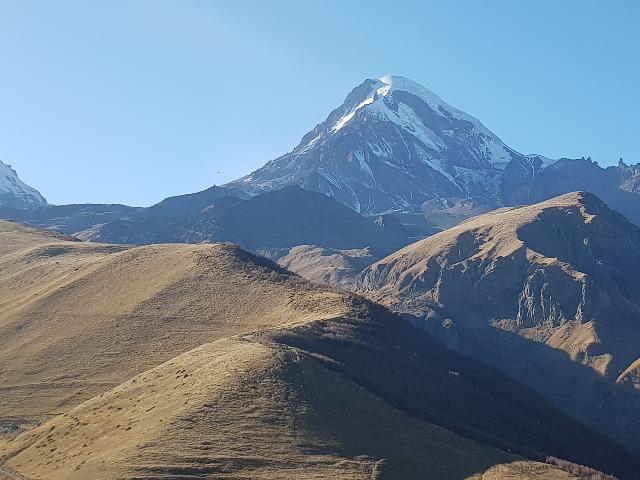 К вершине Казбека по Военно-Грузинской дороге