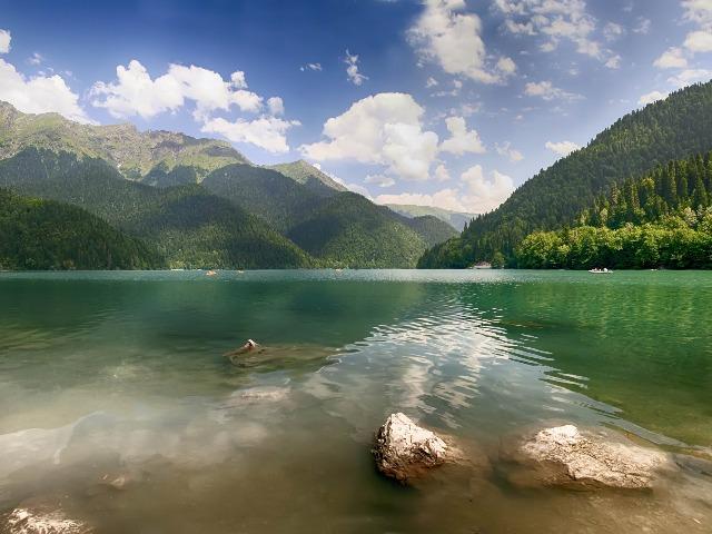 Из Сочи в Абхазию
