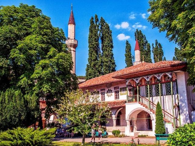 Колоритный Бахчисарай - столица Крымского ханства