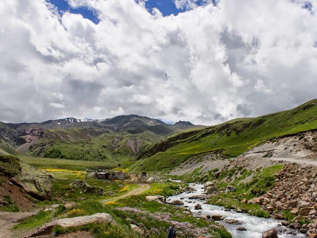 Джилы-Су - царство водопадов и горячих источников