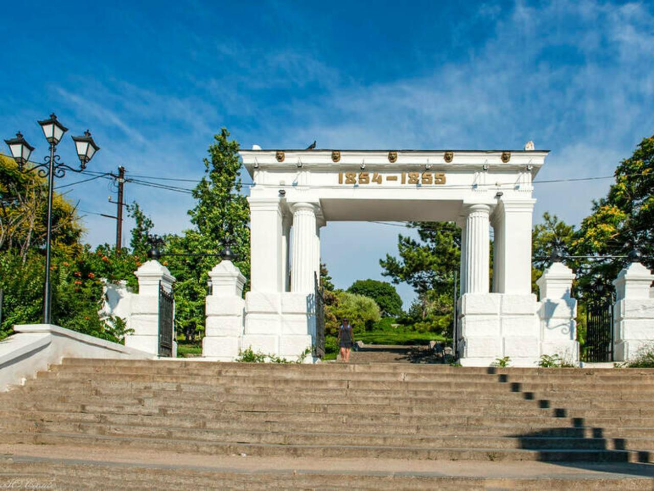 В город-герой Севастополь из солнечной Ялты - индивидуальная экскурсия в Ялте от опытного гида
