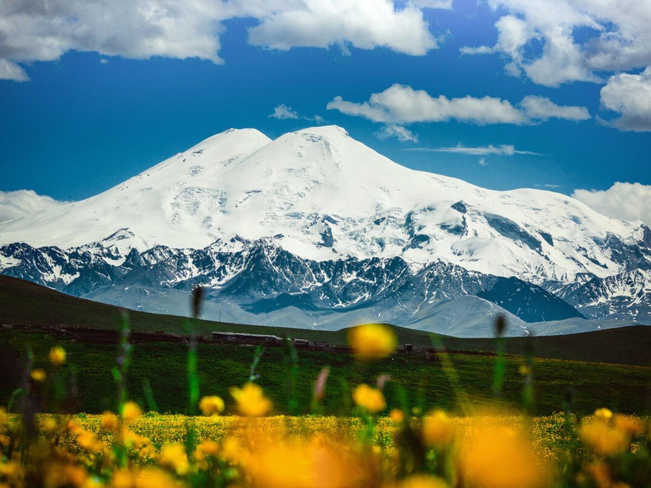 Классический тур к двуглавому красавцу Эльбрусу - индивидуальная экскурсия в Кисловодске от опытного гида