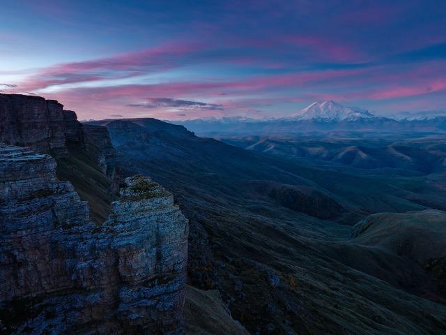 Невероятный рассвет на плато Бермамыт