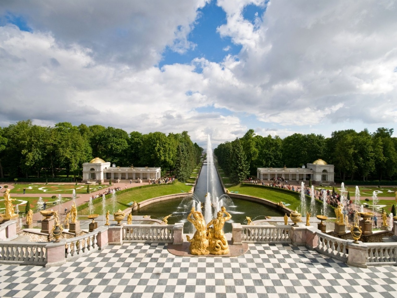 Петергофские чудеса: фонтаны и Большой дворец   - групповая экскурсия по Санкт-Петербургу от опытного гида