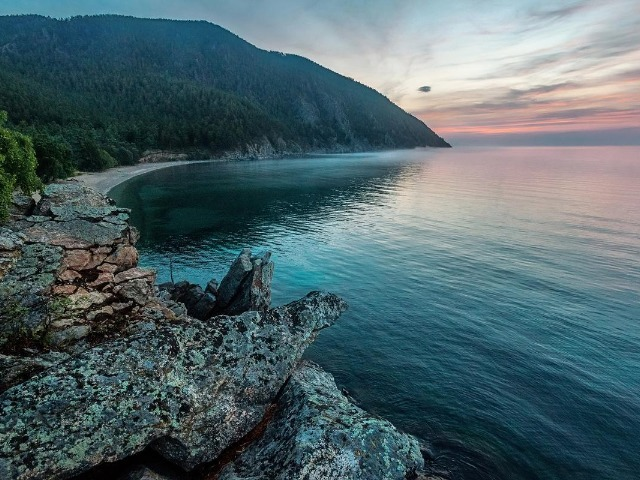 Горячий край холодного Байкала: источник Хакусы