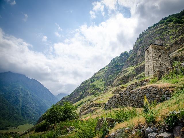 Верхняя Балкария: озера, башни и источники