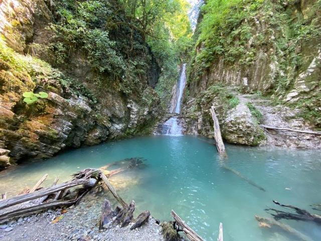 Водопад Бзогу и чаепитие с блинами