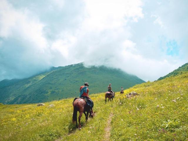 Конная прогулка по Кавказскому заповеднику