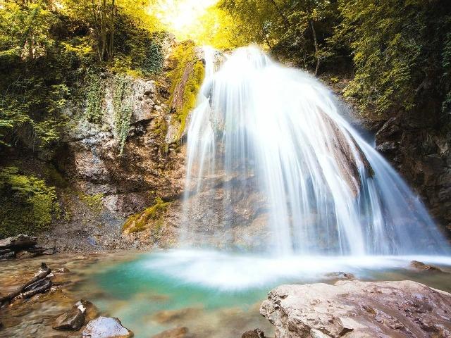 Поездка к мощнейшему в Крыму водопаду Джур-Джур