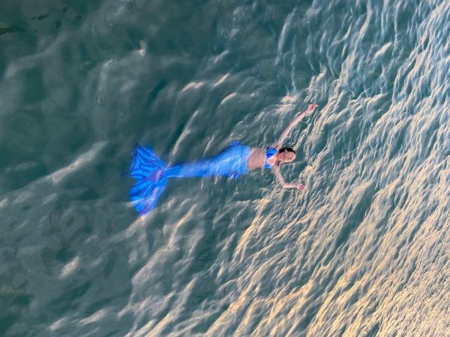 Отдыхаем необычно: плавание с хвостом русалки