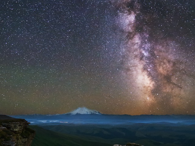 Нереальный звездопад на плато Бермамыт
