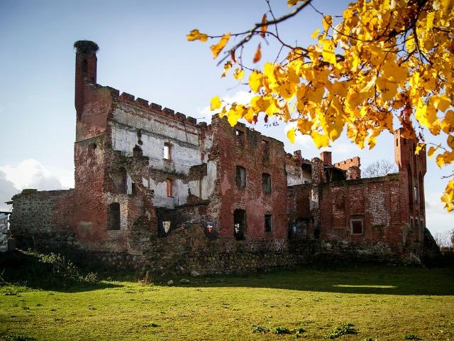 Замки, кирхи, живописные руины